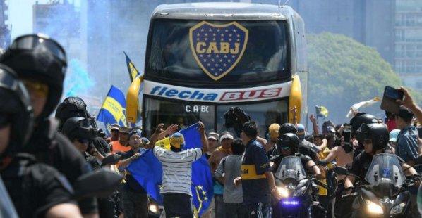 football-argentine-violence-boca-juniors-rive-plate-copa-libertadores-attaque-bus